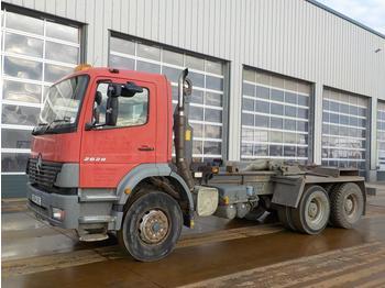 Camión multibasculante  2004 Mercedes 2628