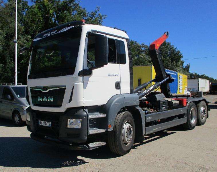 camión multibasculante MAN TGS 26.400