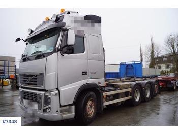 Camión multibasculante Volvo FH750