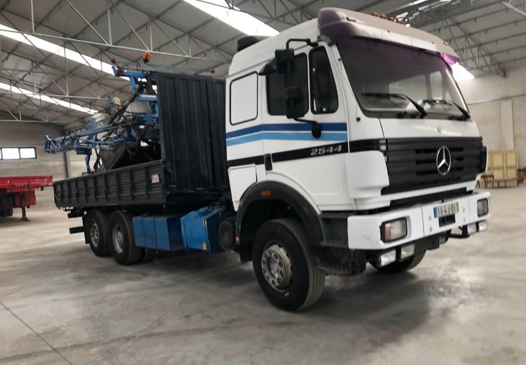 camión volquete Mercedes-Benz 2544