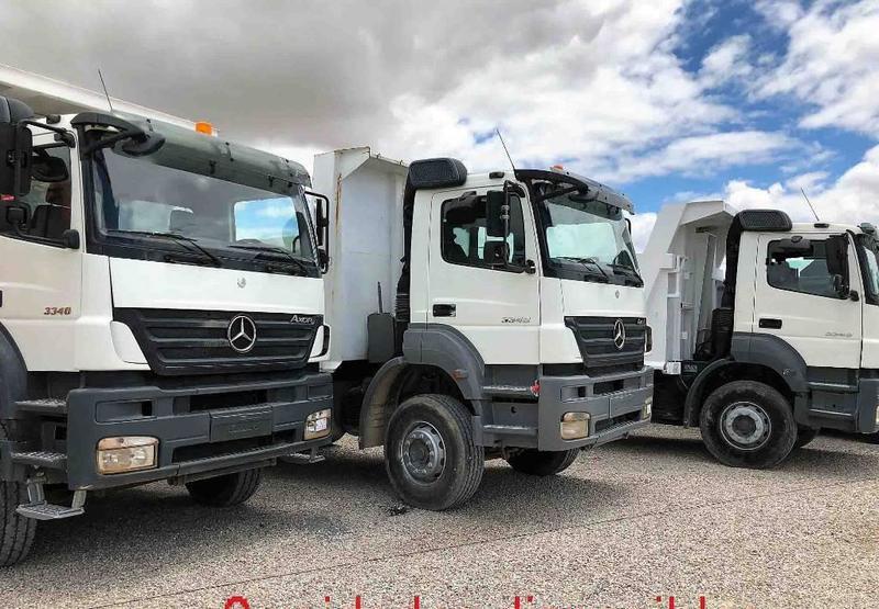 camión volquete Mercedes-Benz Axor 3340