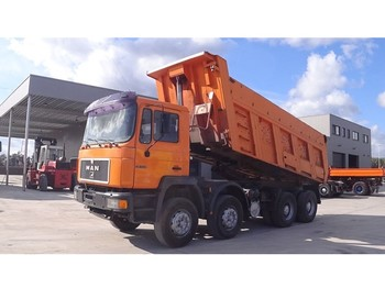MAN 35.402 (BIG AXLE / STEEL SUSPENSION / MANUAL PUMP / ZF-GEARBOX) - volquete camión
