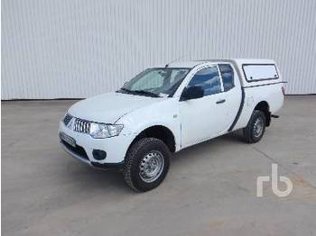 MITSUBISHI L200 Crew Cab 4x4 - pick-up