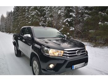 Pick-up TOYOTA Hilux 2.4