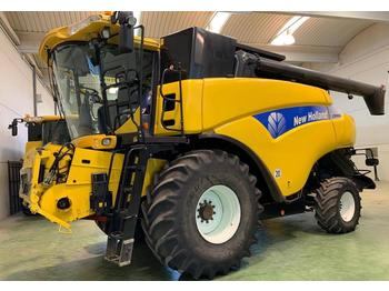 New Holland CR 9080  - cosechadora de granos