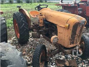 Tractor agricola FIAT 312