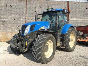Tractor agricola Ford T7040