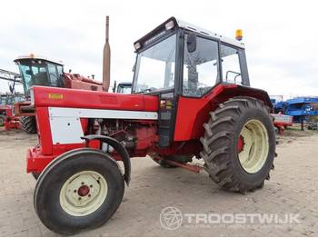 International 844s - tractor agricola