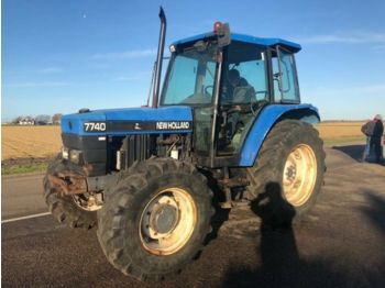 Tractor agricola NEW HOLLAND 7740