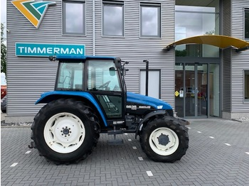 Tractor agricola New Holland 5635