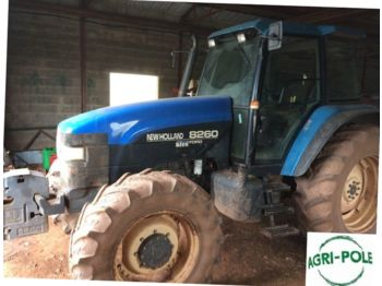 New Holland 8260 DC - tractor agricola