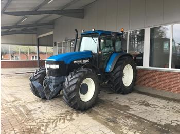 Tractor agricola New Holland 8560: foto 1