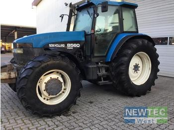 Tractor agricola New Holland 8560 ALLRAD