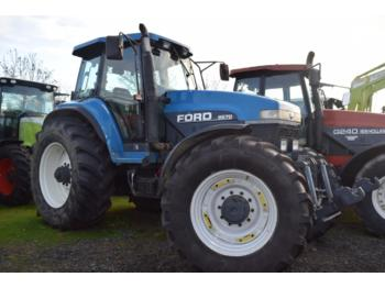New Holland 8670 - tractor agricola