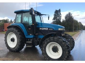 Tractor agricola New Holland 8770