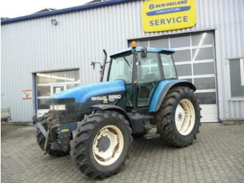 Tractor agricola New Holland Ford 8260