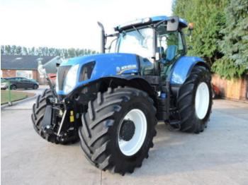 New Holland T7.235 Only 1750hrs!!! - tractor agricola