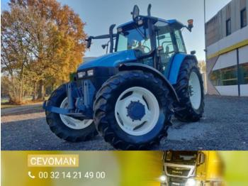 New Holland TS115 4x4 - tractor agricola