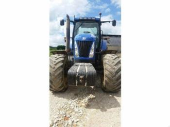 New Holland T 8030 - tractor agricola