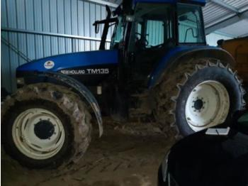 Tractor agricola New Holland tm135