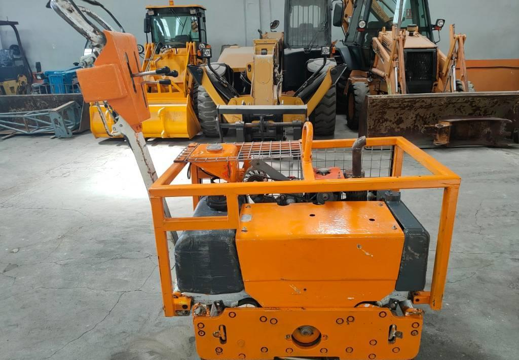 apisonadora de asfalto Bobcat BT 750