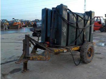 Single Axle 1500 Litre Pastic Fuel Bowser - equipo de construcción