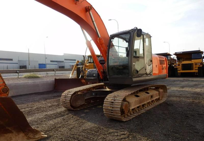 excavadora de cadenas Hitachi ZX 200-3