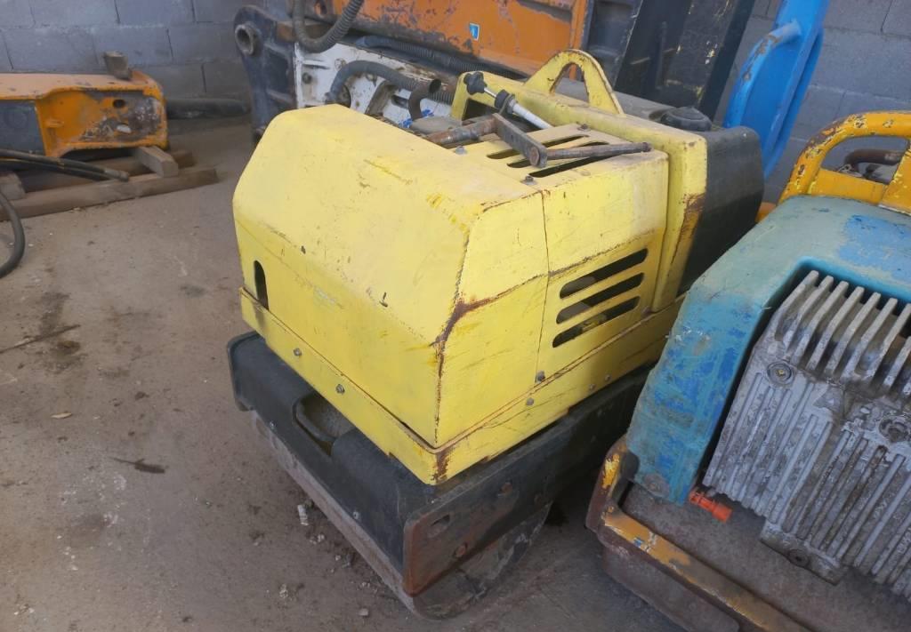 mini compactadora Wacker RD7H