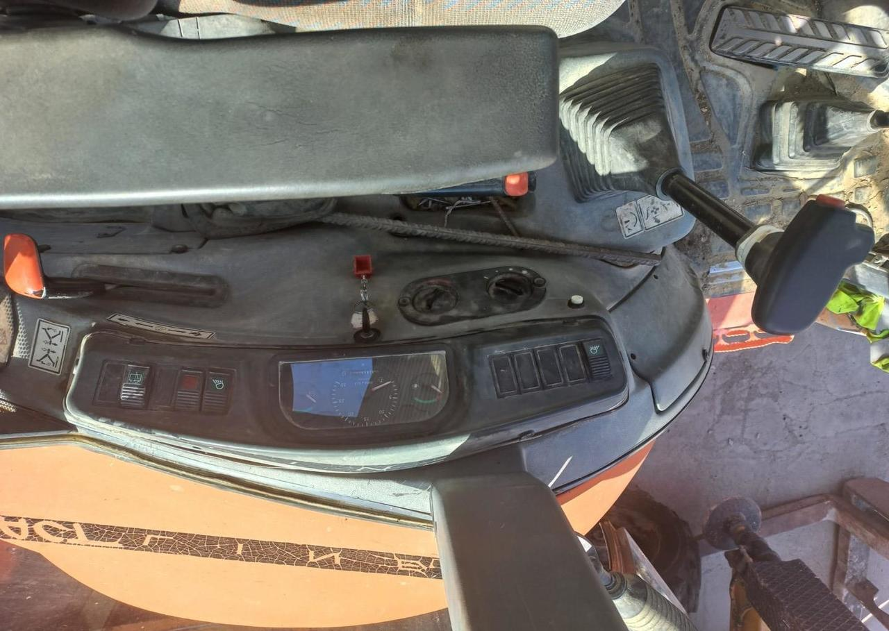 retroexcavadora Fiat-Hitachi FB 90