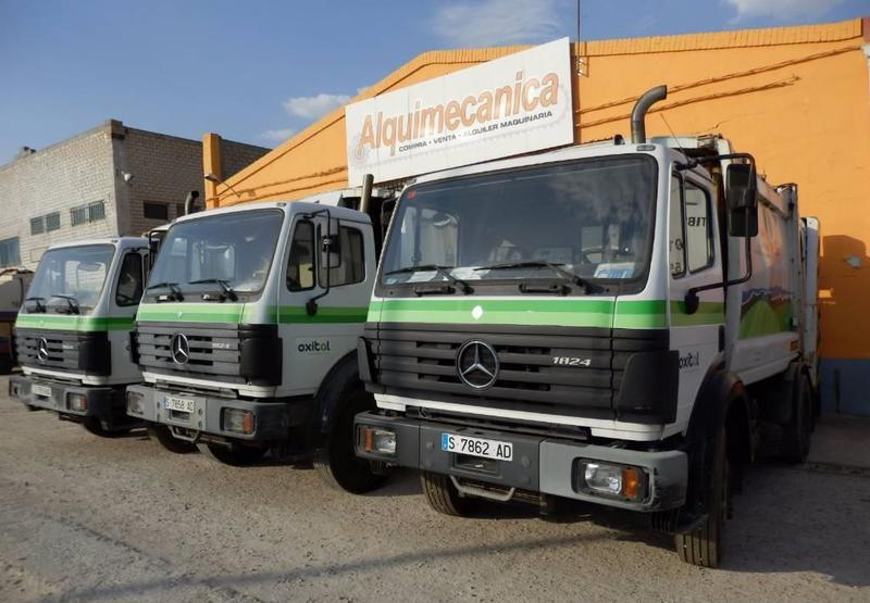 camión de basura Mercedes-Benz 1824